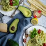 Rezept für Pasta mit Avocad-Zitronen-Creme